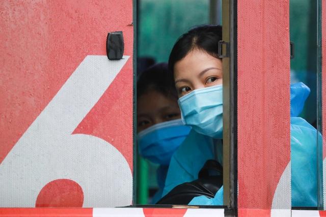300 hành khách TPHCM trở về từ điểm nóng Đà Nẵng - 10