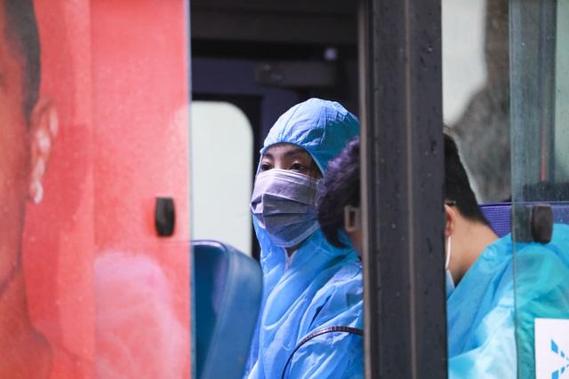 300 hành khách TPHCM trở về từ điểm nóng Đà Nẵng - 15