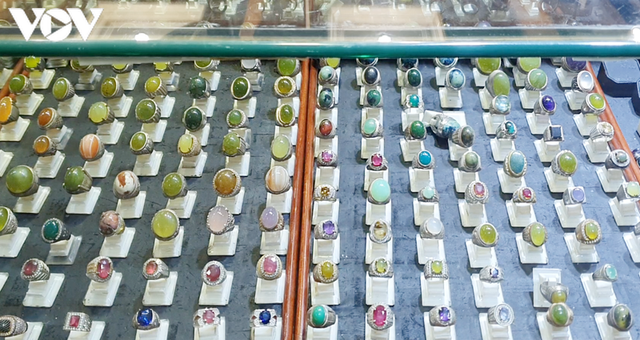Sắc màu chợ đá quý lớn nhất Đông Nam Á tại thủ đô Jakarta, Indonesia - 6