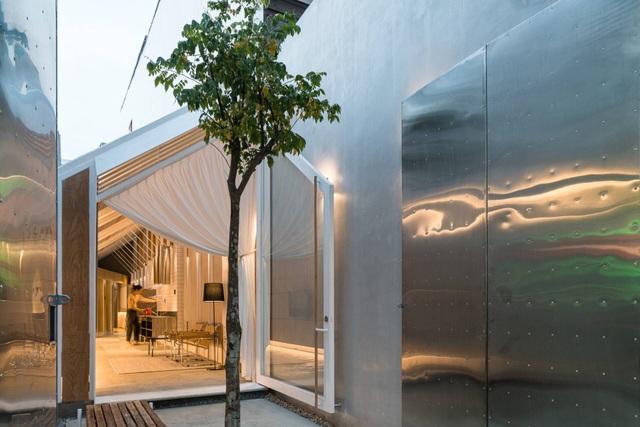 """Cuộc sống bên trong căn nhà """"có chiều dài bằng 10 lần chiều rộng"""" ở Sài Gòn - 2"""