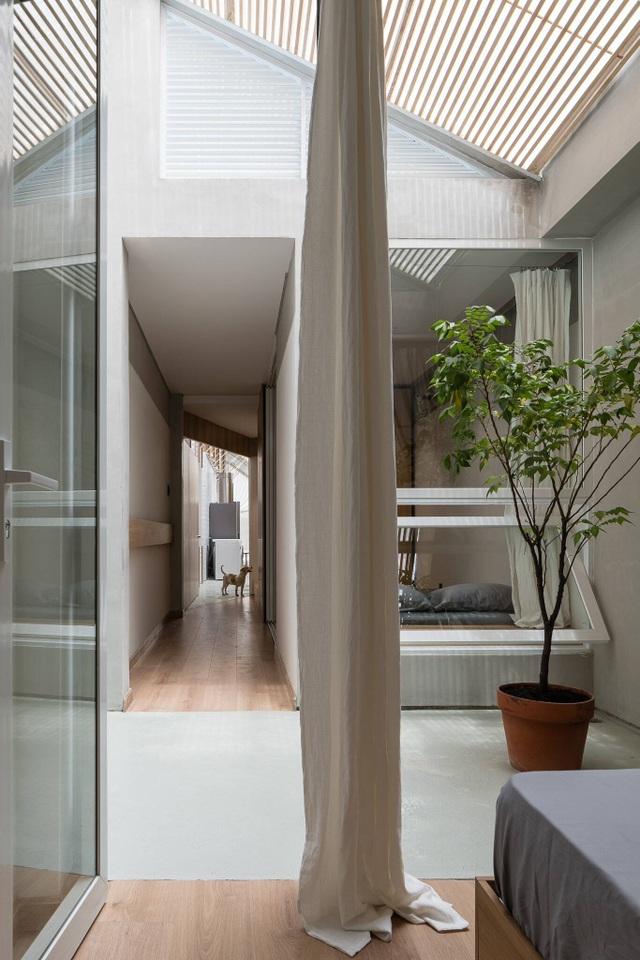 """Cuộc sống bên trong căn nhà """"có chiều dài bằng 10 lần chiều rộng"""" ở Sài Gòn - 10"""
