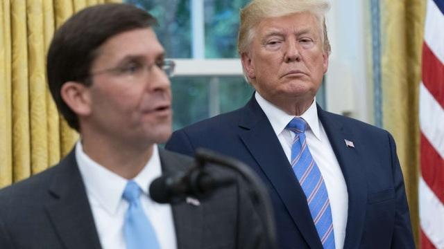 Bloomberg: Tổng thống Trump tính thay Bộ trưởng Quốc phòng - 1