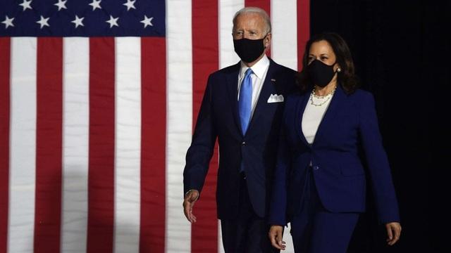 Ông Biden và nữ phó tướng Harris cam kết tái thiết nước Mỹ - 1