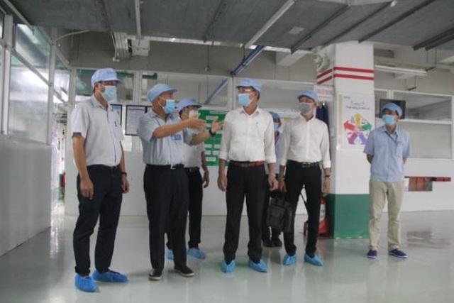 Giám sát công tác chống dịch Covid-19 tại các nhà máy có nhiều lao động - 1