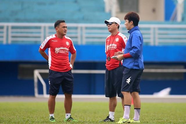 HLV Chung Hae Seong lần đầu trở lại sân tập sau khi tái hợp CLB TPHCM - 2
