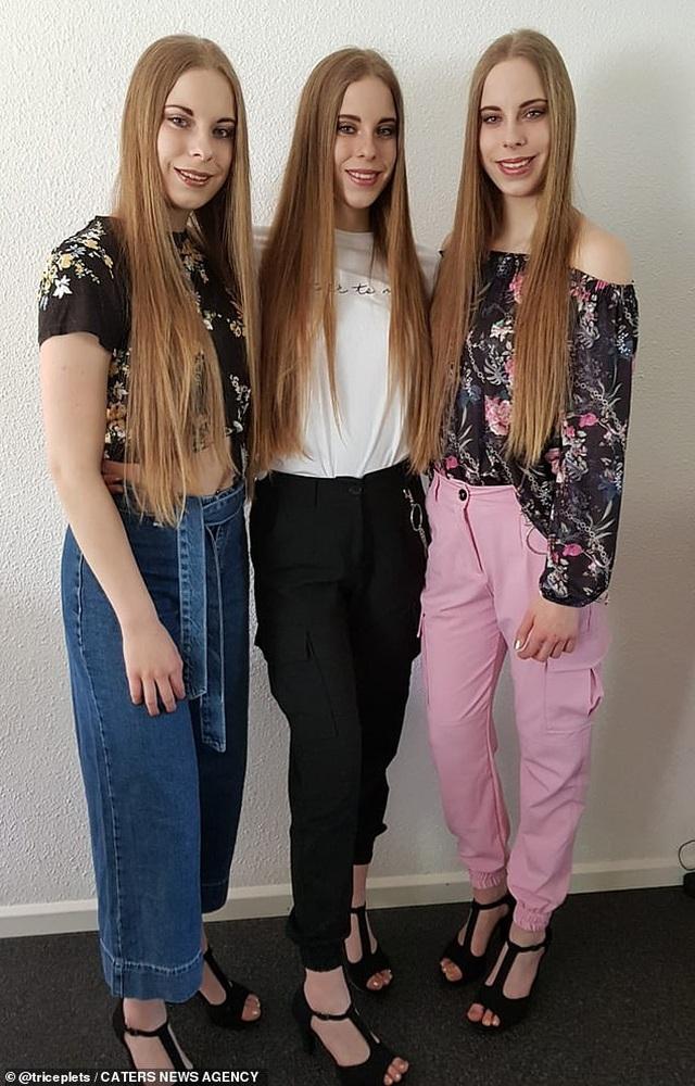 Cuộc sống kỳ lạ của ba chị em giống hệt nhau - 11