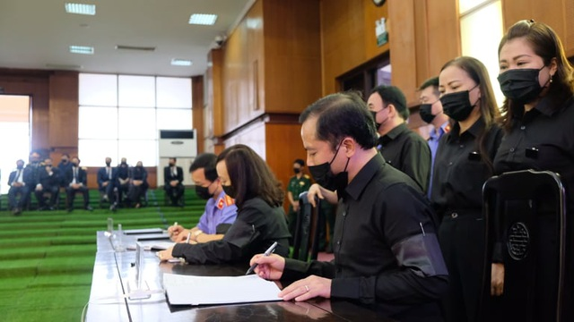 Lễ tang nguyên Tổng Bí thư Lê Khả Phiêu tại quê nhà Thanh Hóa - 5