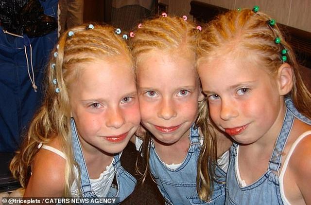 Cuộc sống kỳ lạ của ba chị em giống hệt nhau - 7