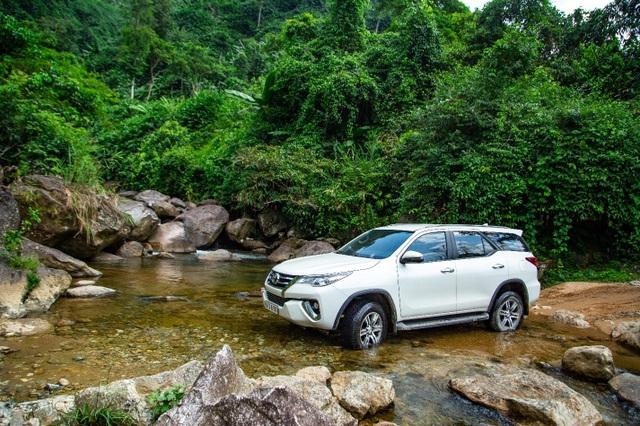 """Toyota Việt Nam ưu đãi """"khủng"""" cho khách mua xe Fortuner - 2"""