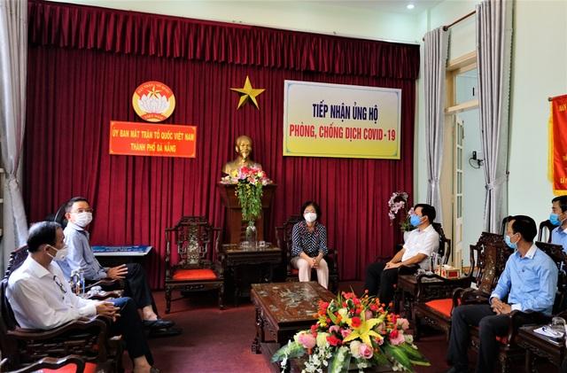 Vietcombank ủng hộ 5 tỷ đồng chung tay cùng thành phố Đà Nẵng đẩy lùi Covid-19 - 2