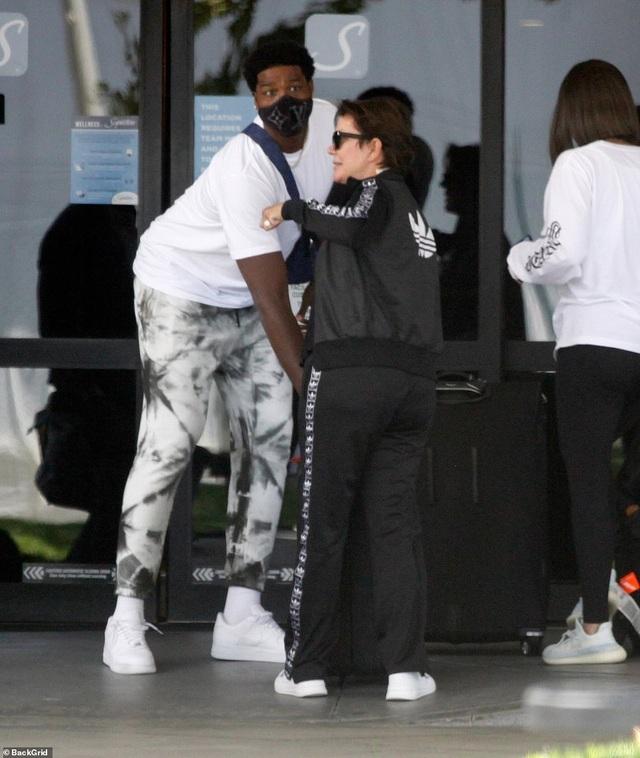 Khloe Kardashian hàn gắn quan hệ với người cũ? - 4