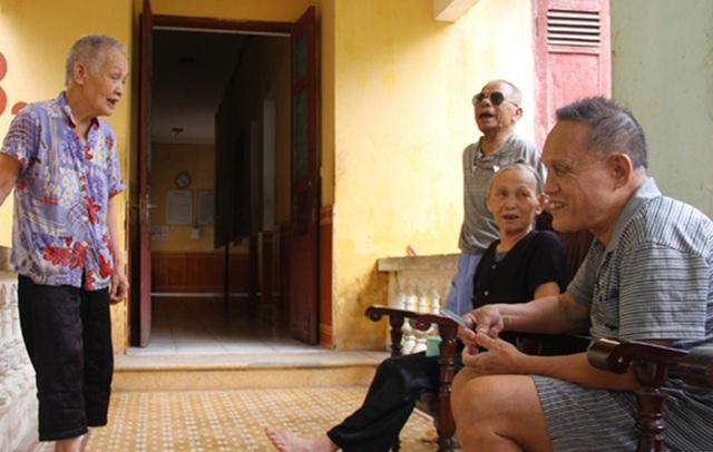 Thăm ngôi nhà chung giúp những người cao tuổi tìm lại nụ cười - 3