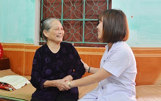Thăm ngôi nhà chung giúp những người cao tuổi tìm lại nụ cười - 2