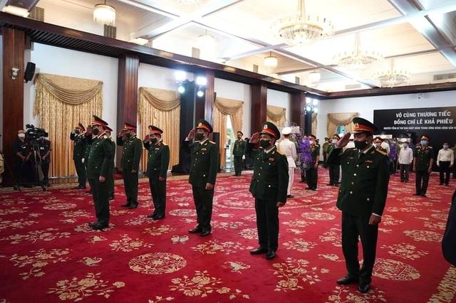 Nhân dân TPHCM tiễn biệt nguyên Tổng Bí thư Lê Khả Phiêu - 6