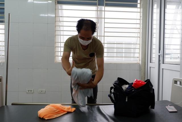 Rưng rưng cảm xúc ngày ra viện của gần 200 công dân về từ Ghi-nê Xích Đạo - 2