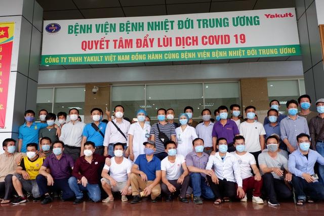 Rưng rưng cảm xúc ngày ra viện của gần 200 công dân về từ Ghi-nê Xích Đạo - 13