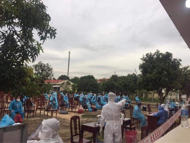 Ninh Thuận đón 230 công dân Việt Nam về từ Malaysia - 3