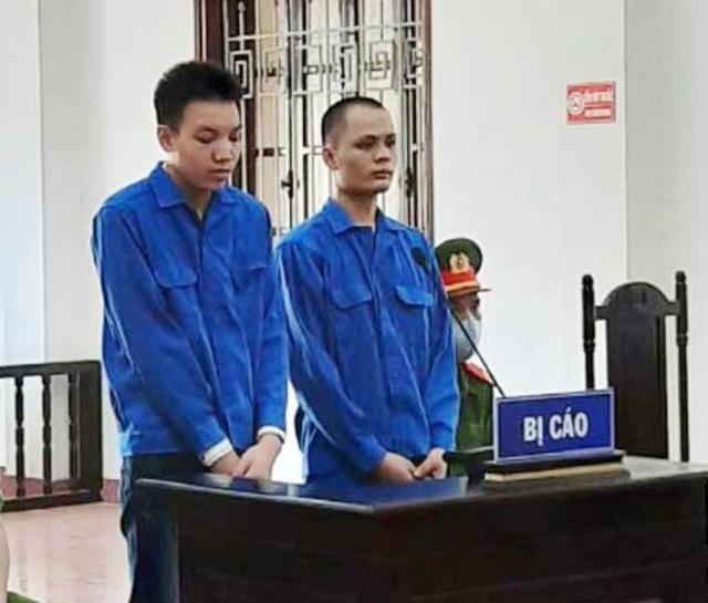 Hai thanh niên ép bé gái 15 tuổi vào nhà nghỉ hiếp dâm - 1