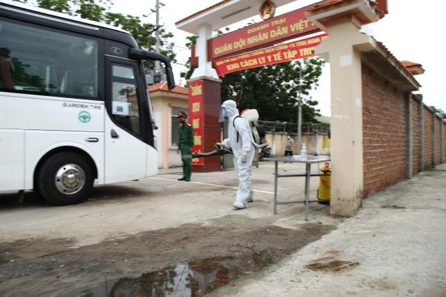 Ninh Thuận đón 230 công dân Việt Nam về từ Malaysia - 2