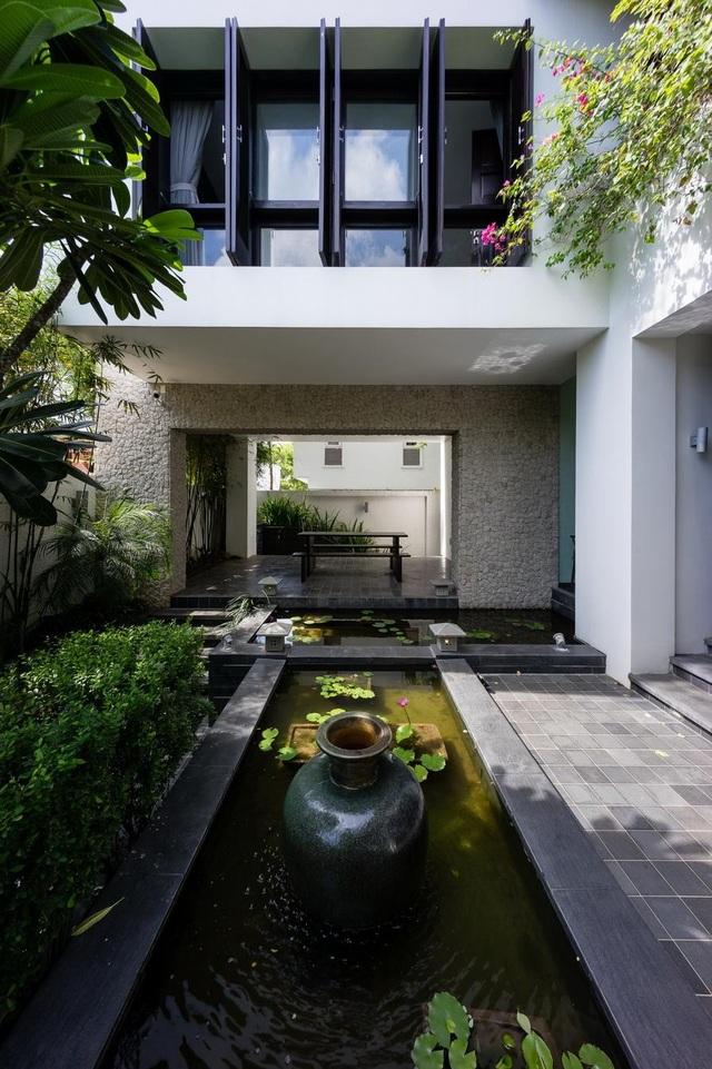 Gia đình ở Sài Gòn xây biệt thự ngói đỏ đậm chất Huế vừa đẹp vừa sang - 4
