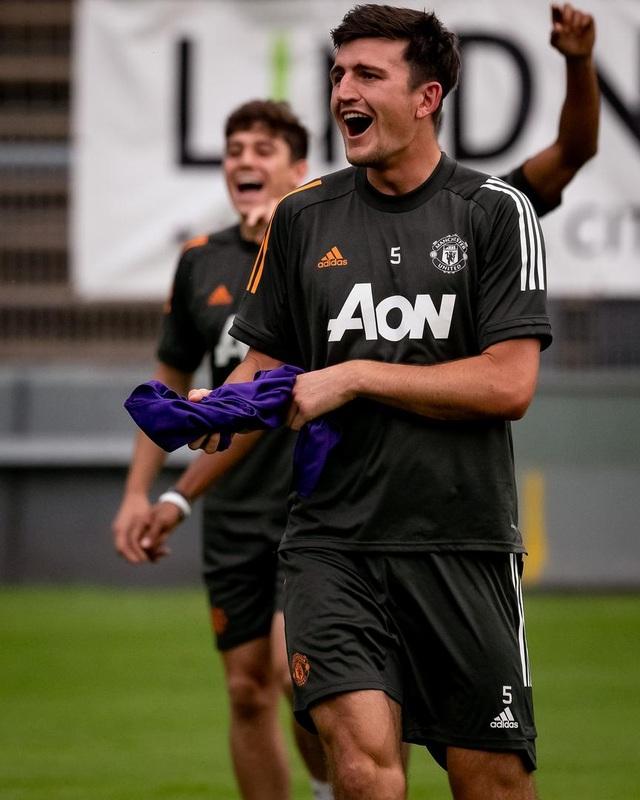 Man Utd tiếp tục miệt mài luyện công chờ Sevilla - 13