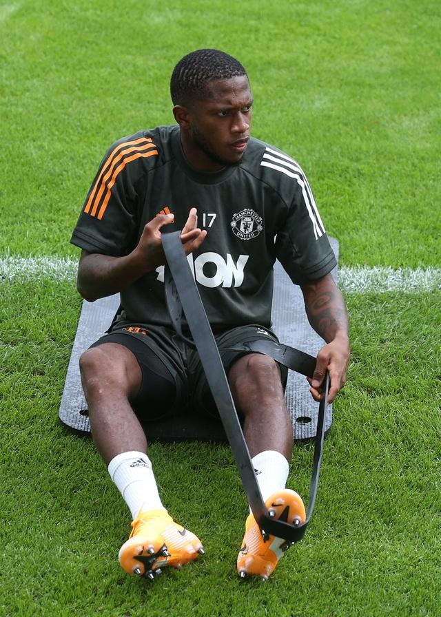 Man Utd tiếp tục miệt mài luyện công chờ Sevilla - 7