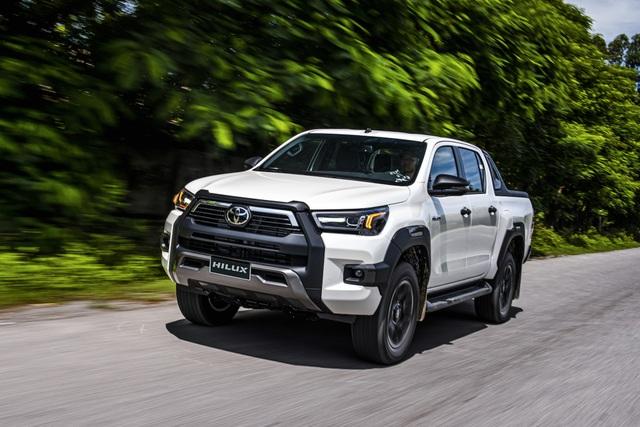 Toyota Hilux 2020 giá từ 628 triệu, thêm công nghệ để cạnh tranh Ranger - 4