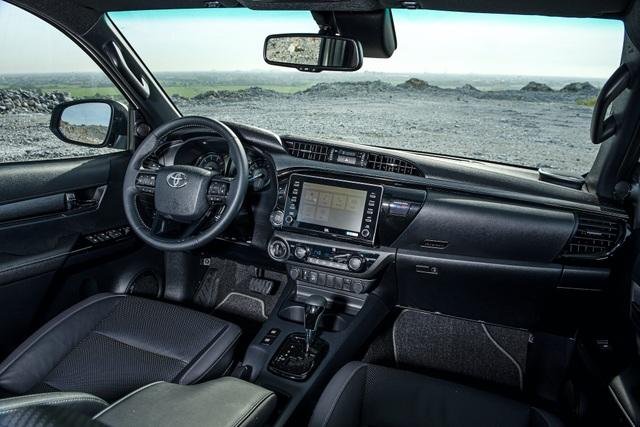 Toyota Hilux 2020 giá từ 628 triệu, thêm công nghệ để cạnh tranh Ranger - 2