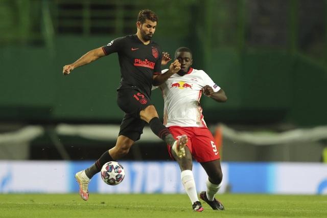 """Xứng danh """"Quái thú"""", ngôi sao Leipzig vô hiệu hóa Diego Costa - 1"""