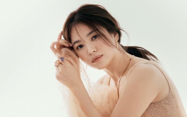 Một năm sau cuộc hôn nhân tan vỡ, Song Hye Kyo luận bàn về tình yêu - 2