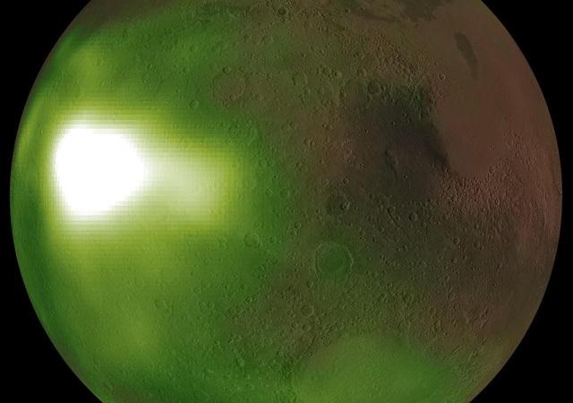 Tàu vũ trụ NASA phát hiện điều lạ trên bầu trời Sao Hỏa - 1
