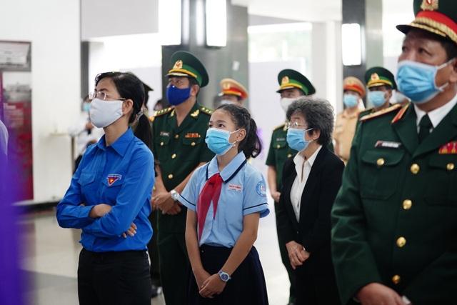 Nhân dân TPHCM tiễn biệt nguyên Tổng Bí thư Lê Khả Phiêu - 9