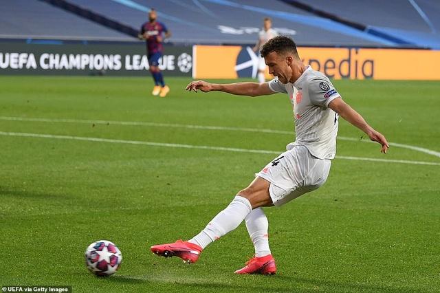 """""""Hủy diệt"""" Barcelona 8-2, Bayern Munich hiên ngang vào bán kết - 2"""