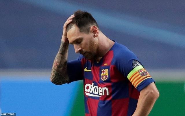 """""""Hủy diệt"""" Barcelona 8-2, Bayern Munich hiên ngang vào bán kết - 16"""