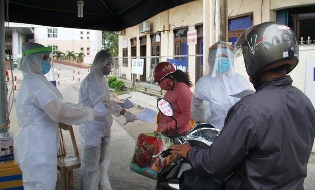 Bình Định: Giãn cách xã hội đối với nhóm nguy cơ cao nhiễm Covid-19 - 1