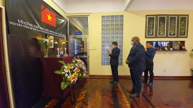 Lễ viếng và mở sổ tang nguyên Tổng Bí thư Lê Khả Phiêu tại Mozambique - 2