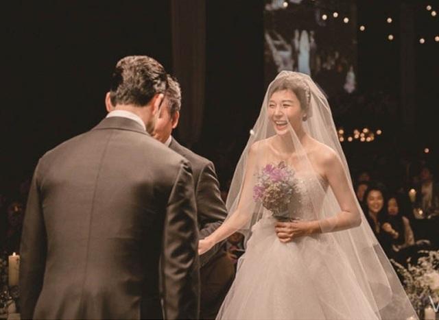 Những cô dâu đẹp và quyến rũ nhất làng giải trí xứ Hàn - 7