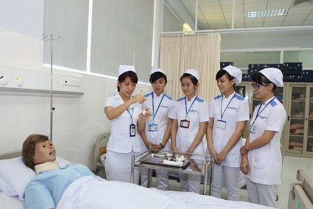 Tuyển 100 ứng viên sang Nhật làm điều dưỡng với mức lương 35 triệu/ tháng - 1