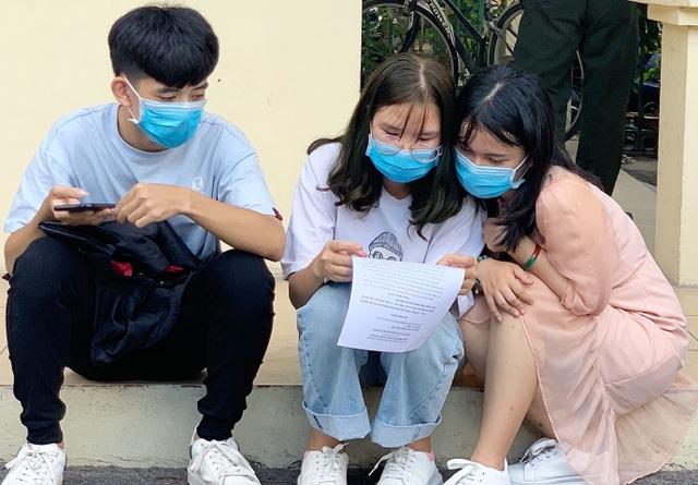 Mẹ liệt sĩ ủng hộ gạo chống dịch Covid-19 vào đề thi Năng khiếu báo chí - 4