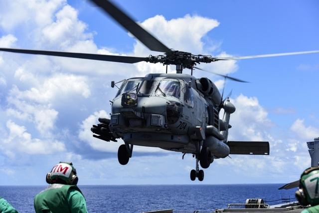 Nhóm tàu sân bay Mỹ diễn tập tại Biển Đông - 10