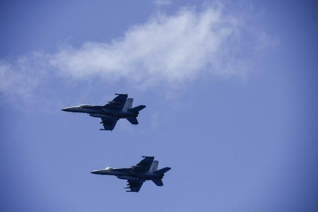Nhóm tàu sân bay Mỹ diễn tập tại Biển Đông - 11