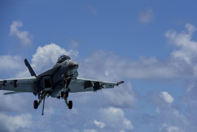 Nhóm tàu sân bay Mỹ diễn tập tại Biển Đông - 12