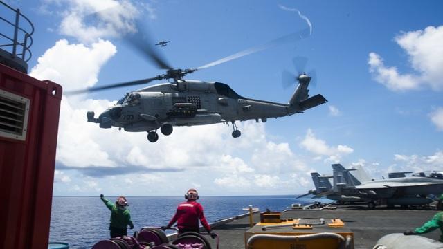 Nhóm tàu sân bay Mỹ diễn tập tại Biển Đông - 3