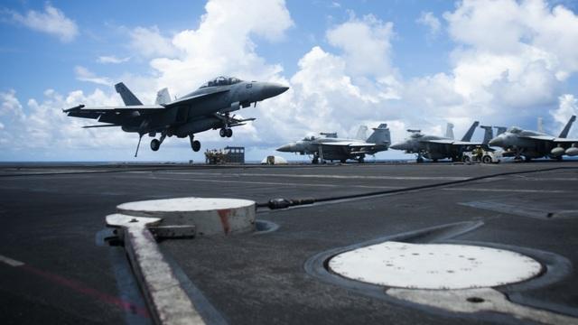 Nhóm tàu sân bay Mỹ diễn tập tại Biển Đông - 5