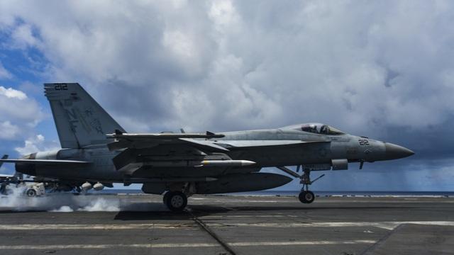 Nhóm tàu sân bay Mỹ diễn tập tại Biển Đông - 6