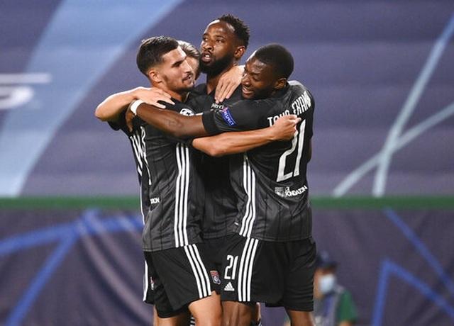 Nhìn lại trận thua đắng ngắt của Man City trước Lyon - 18