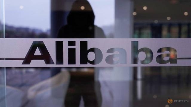 Ông Trump xem xét cấm cửa ông lớn thương mại điện tử Trung Quốc Alibaba - 1