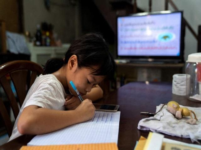 Philippines: Học sinh ở nhà cho tới khi có vaccine Covid-19 - 1
