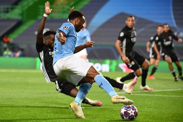 Nhìn lại trận thua đắng ngắt của Man City trước Lyon - 11