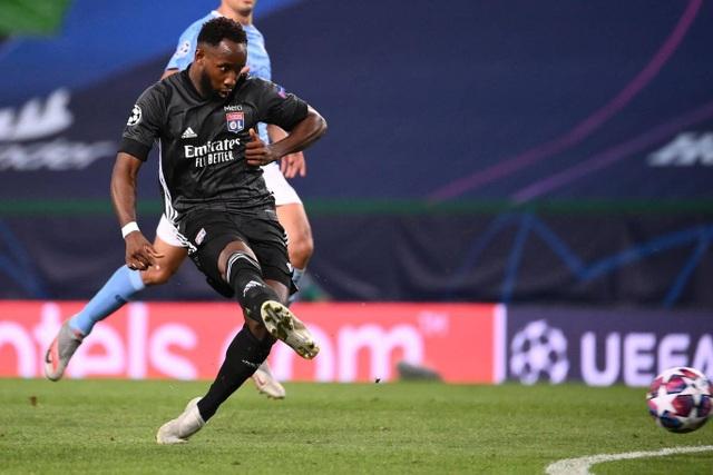 Nhìn lại trận thua đắng ngắt của Man City trước Lyon - 17